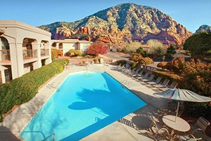 Sedona Real Inn and Suites :: An outstanding hotel near some of Sedona's best hiking and biking trails. Enjoy superior service, free WiFi, and hot breakfast, when you stay with us. Plus, on-site concierge.