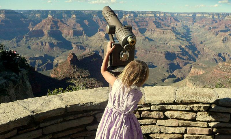 Little Girl looks out over the Grand Canyon