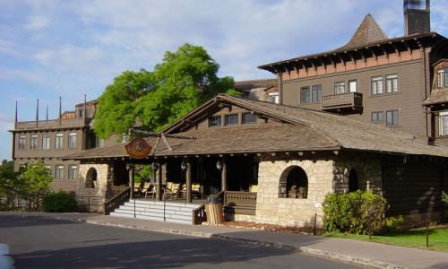 El Tovar Hotel in the Grand Canyon