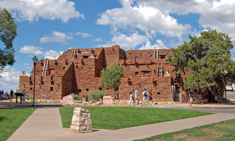Hopi House along the South Rim