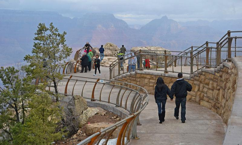 Mather Point at the start of the South Rim Trail